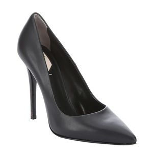 Fendi Black Flamingo Leather Pointed Toe Pumps